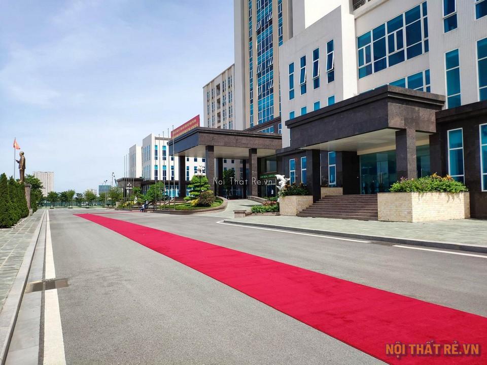 Thảm đỏ trải sàn lối đi đón khách ở bộ tư lệnh cảnh sát biển Việt Nam