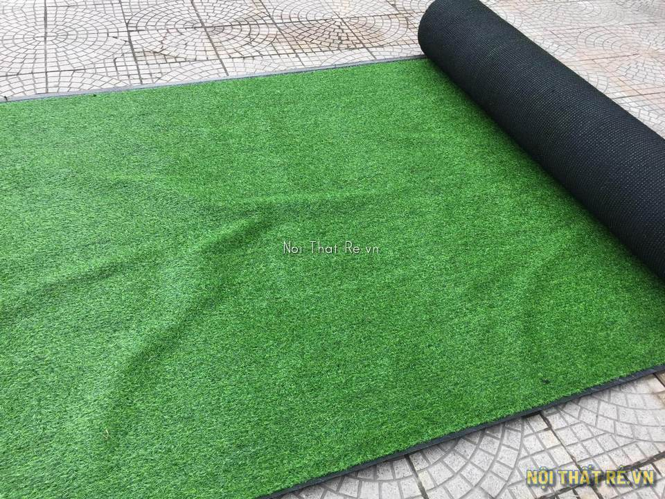 cuộn thảm cỏ nhân tạo màu xanh lá